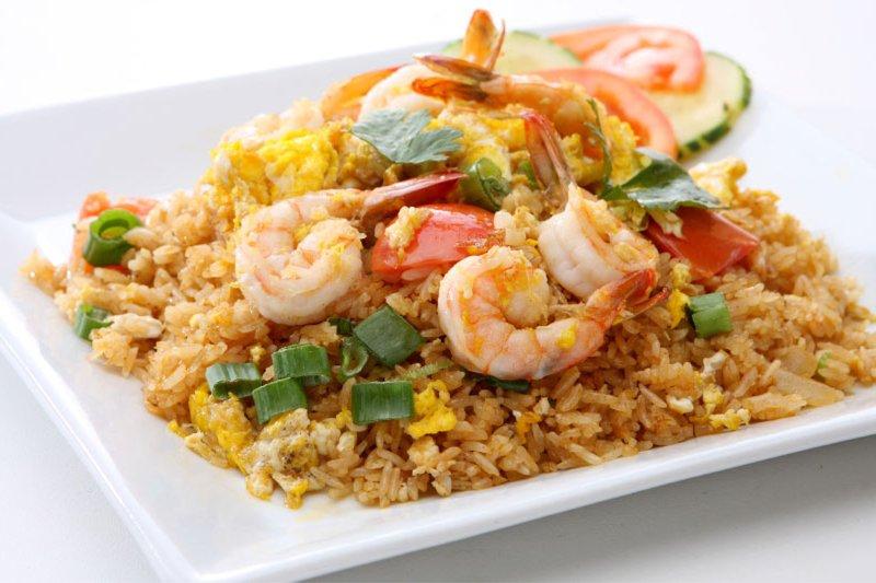 Жареный рис по-тайски поможет вам узнать вкус любимого продукта с другой стороны
