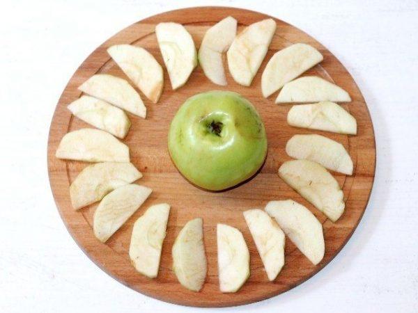 Яблоки для запеканки
