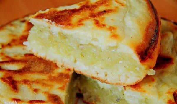 Заливной картофельный пирог в разрезе