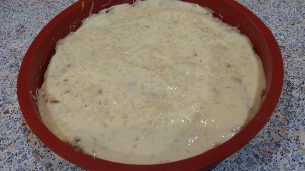 Заготовка для заливного пирога в круглой форме