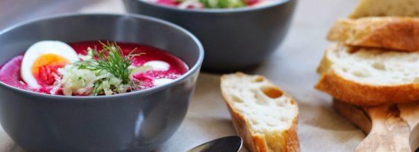 Классический холодный свекольник - превосходный вариант кушанья в летнюю жару