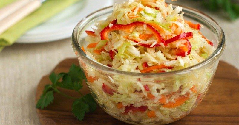 Быстрая маринованная капуста - отличная закуска или дополнение к любимым блюдам