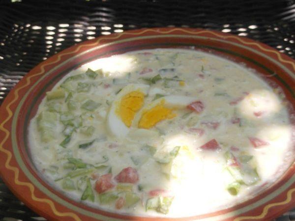 Тарелка с овощной окрошкой