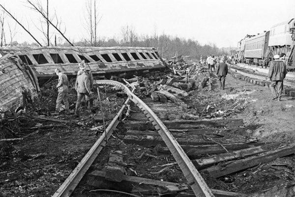 Взрыв поездов