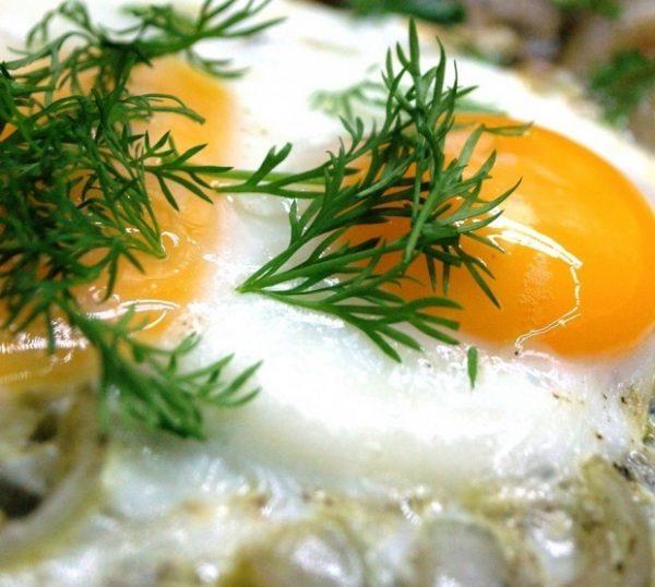 Яичница с салом
