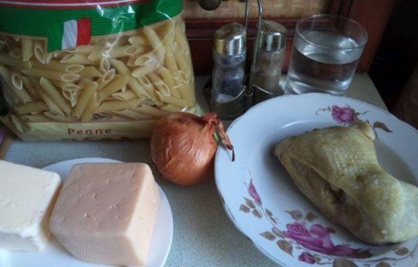 Мясо, макароны и сыр