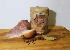 Домашняя тушёнка из свинины - аппетитная, сытная и очень вкусная заготовка, которой всегда найдётся применение