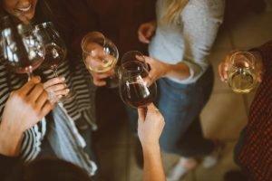 Люди с алкоголем