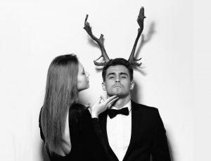 женщина и мужчина с рогами