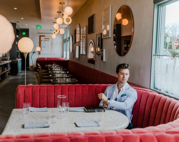 Мужчина в ресторане