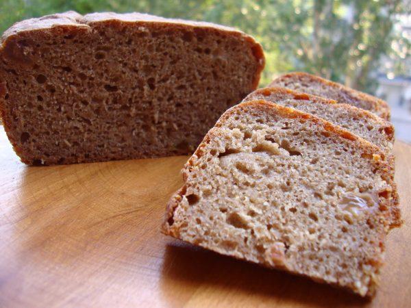 Ржаной хлеб, порезанный на кусочки