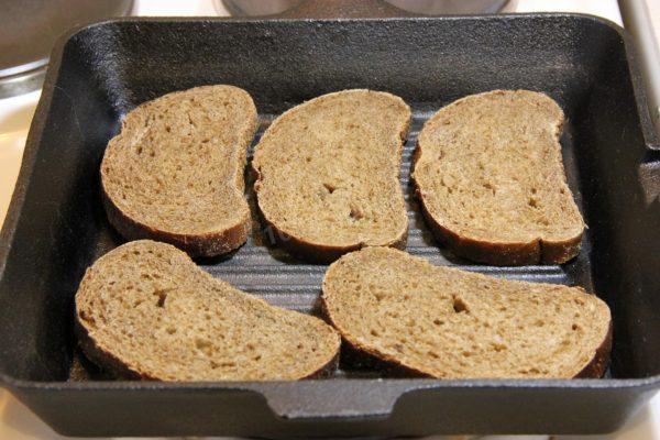 Хлеб в жаропрочной форме