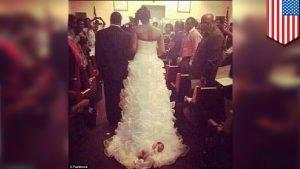 свадебное платье с ребёнком
