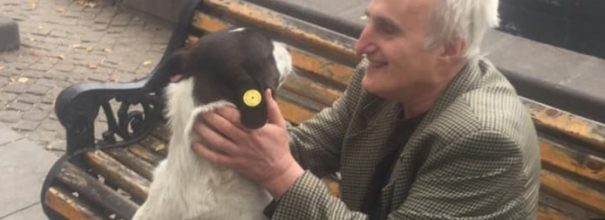 Гиорги и его собака Жоржи