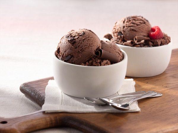 Вазочки с джелато шоколато