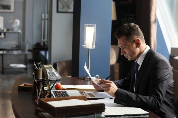 Марк в офисе