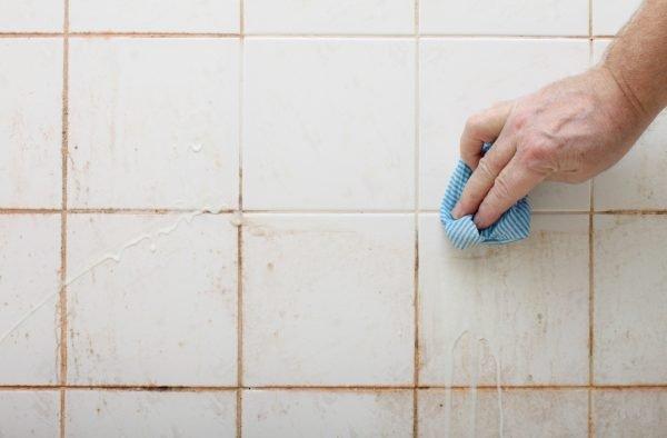 Мытьё кафеля средством на основе соды
