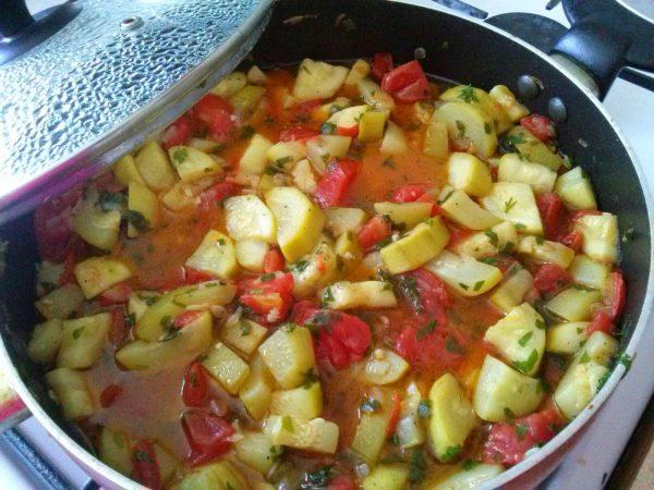 Кабачок с томатом