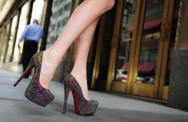 Туфли со стразами, на высокой платформе и каблуке