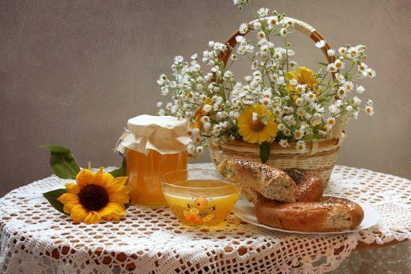Мёд и выпечка с маком