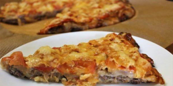 Пицца из слипшихся пельменей