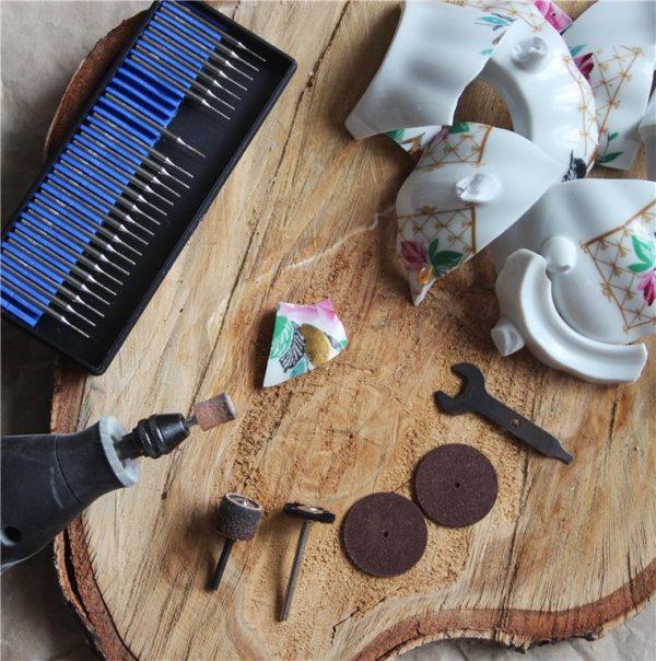 Битая посуда и инструменты