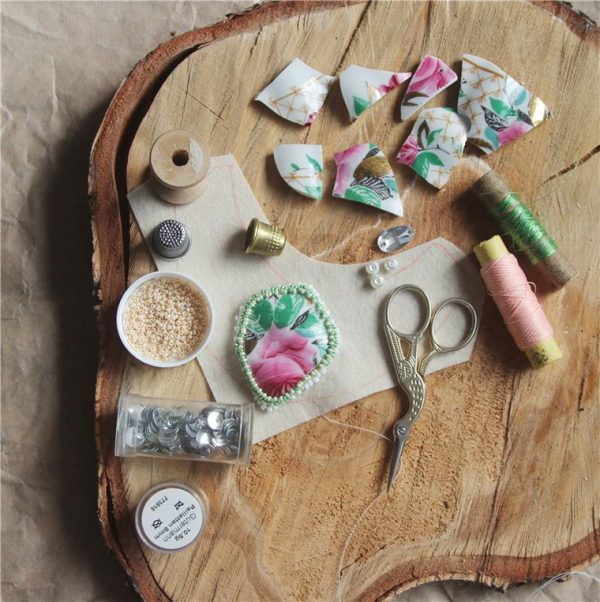 Обшивка кабошона бисером