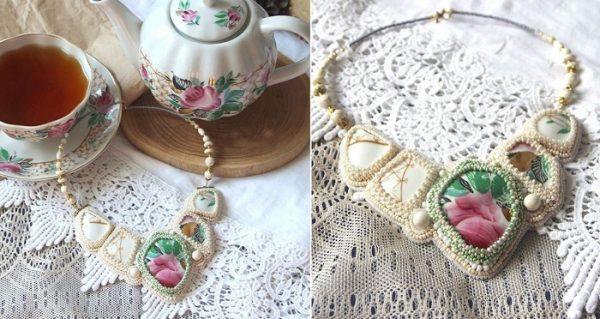 Готовое ожерелье с кабошонами