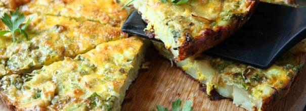 С помощью обычной сковороды можно приготовить вкусный, оригинальный и полезный завтрак всего за четверть часа