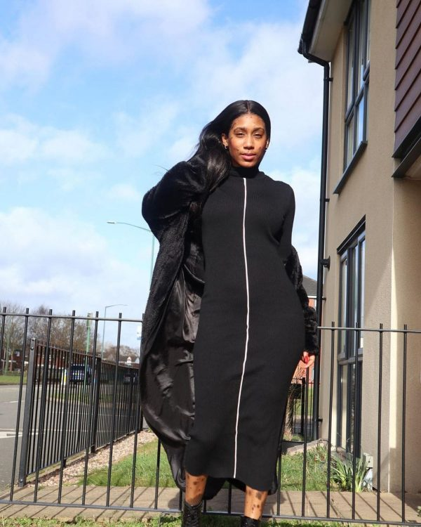 Шерил Шоу в чёрном платье