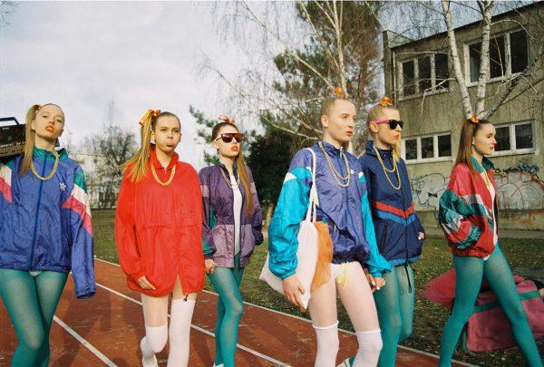 Девушки в олимпийках