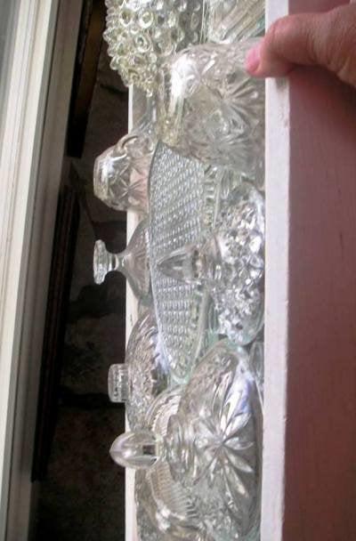 Витраж из стаканов и салатниц