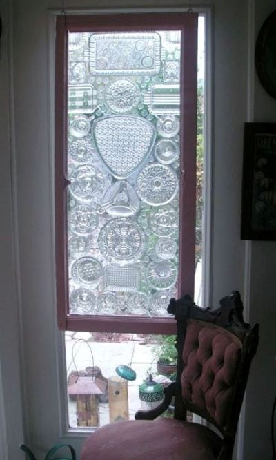 Хрустальный витраж на окне