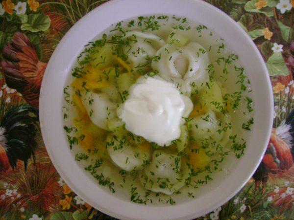 Суп с пельменями и картофелем в мультиварке