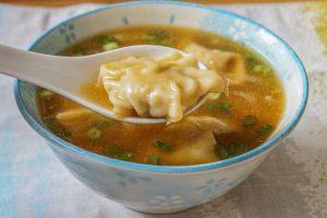 Бурятский суп с пельменями и лапшой