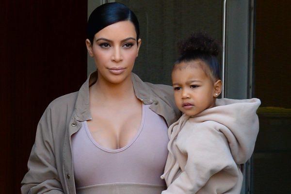 Ким Кардашьян с дочерью по имени Норт