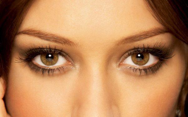 Светло-карие глаза