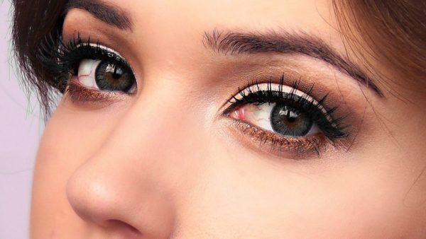 Чёрный цвет глаз