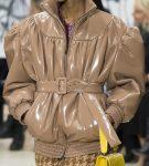 Куртка с широкими плечами и рукавами