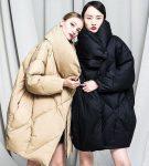Девушки в куртках оверсайз