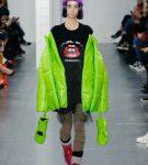 Неоновая салатная куртка