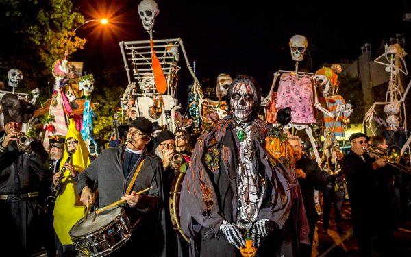 Шествие в честь Хэллоуина