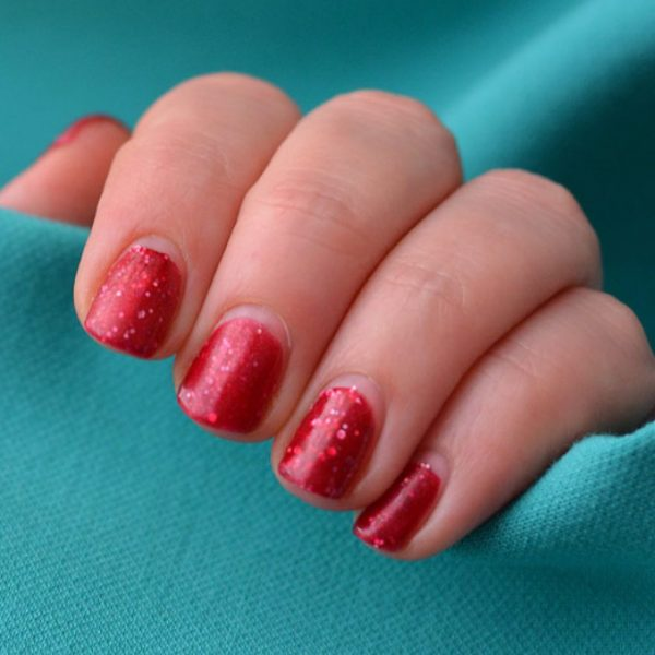 Отросшие ногти, покрытые гель-лаком