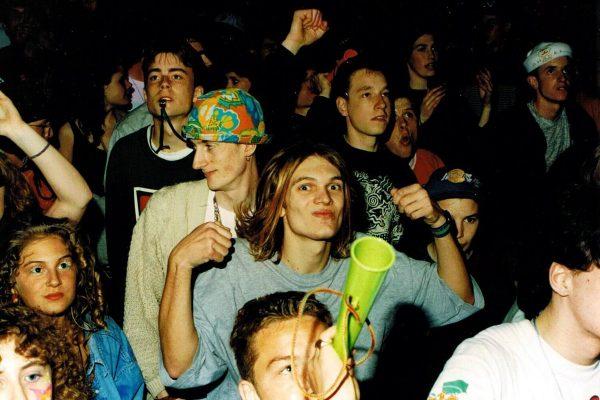 Клубная тусовка 90-х
