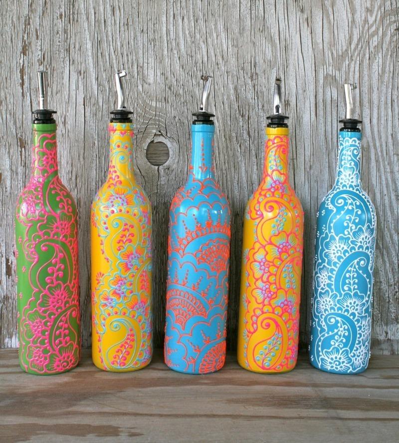 Раскрашенные вазы из бутылки