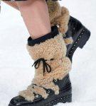 Зимние сапоги от Chanel