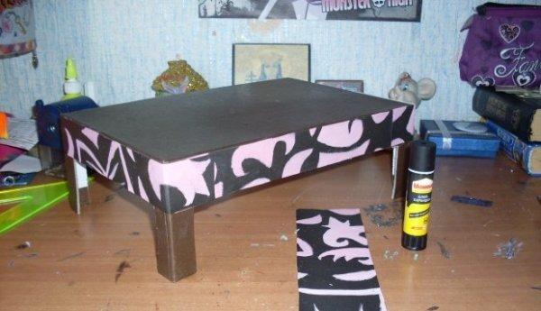 обклеенная бумагой заготовка для кровати